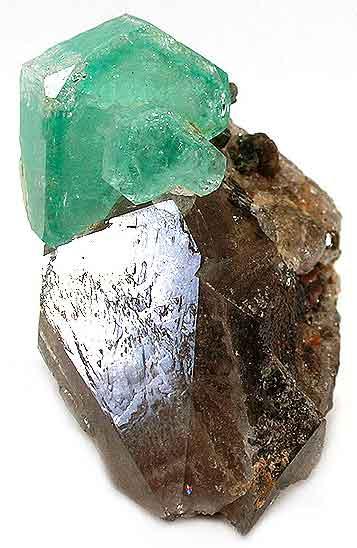 Emerald/smoky quartz, Ellis mine, Hiddenite, North Carolina, 2 x 3.1 x 4.5 cm; Rob Lavinsky specimen and photo