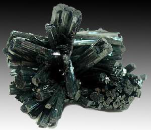 Manganite, Ilfeld, Harz Mts., Germany, 3.6 x 3.8 x 4.5 cm; Rob Lavinsky specimen and photo