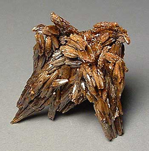 Vanadinite, Thanksgiving pocket, North Home mine, Broadwater County, Montana. 3 cm; specimen and photo, Chris Tucker