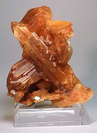 Stellerite, Tambar Springs, Coonabarabran area, New South Wales, Australia; 3.2 x 5.9 x 7 cm.  Andrei V. Rykoff specimen and photo